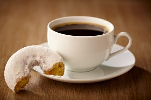 coffee-donuts-classic-pairing_emag_article_large